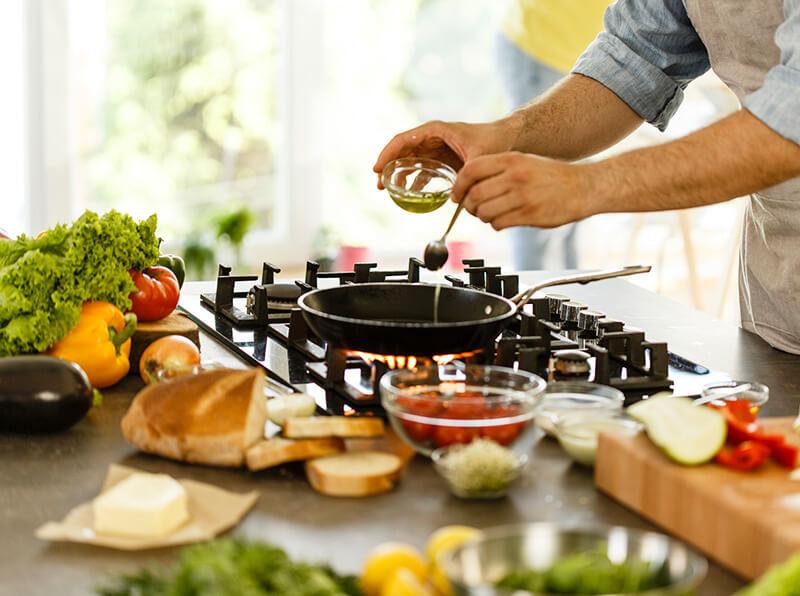 Does olive oil have natural antioxidants?