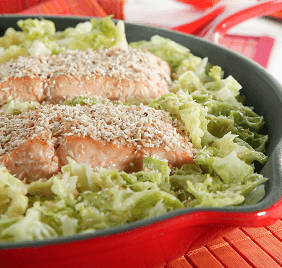 Baked fillet of salmon with stir-fried cabbage